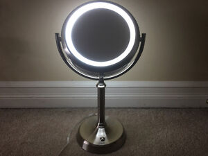 Double mirrored Vanity Lamp $22 or best offer