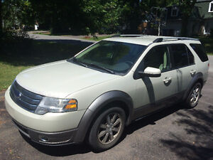 2008 Ford Taurus X SEL All-Wheel Drive. 3.5 L engine, V6.