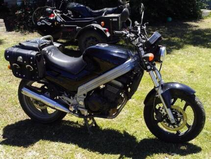 ZZR250. Heaps of spares Rego due. Naked conversion.