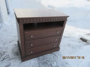 Dresser's and more hotel furniture call 386-1987
