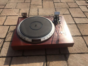Top model VICTOR TT-801 turntable with SME tonearm