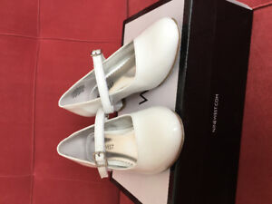 Size 13 Girls Nine West white patent pumps