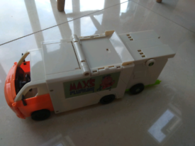 Ben 10, Complete Rustbucket III, Rocket Van