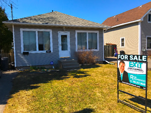15 Cameron Ave, Sault Ste Marie; CENTRAL 2 BEDROOM BUNGALOW