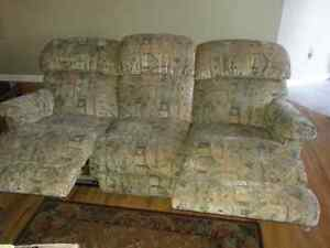 Recliner couch and recliner loveseat set