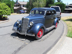 1935 Ford Fordor Touring