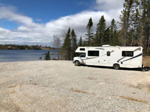 Motor Home Rental - Ford Majestic RV