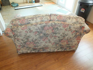 LOVE SEAT,.LIKE NEW,..CLEAN. Kitchener / Waterloo Kitchener Area image 5
