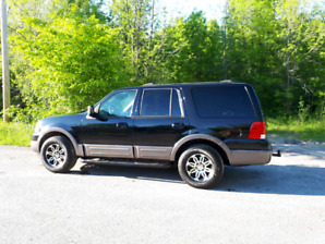 Camion SUV FORD EXPEDITION 2004 XLT 5.4l(2v) 4X4