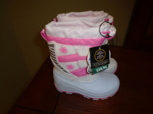 NEW TAGS ON LIGHT up twinkle Snow boots size 8