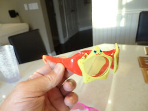 2 pairs Of Child Sunglasses - Each the same size $3.00 ea. Kitchener / Waterloo Kitchener Area image 5
