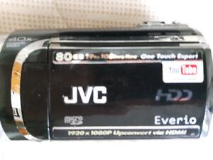 camera JVC HDD Everio 80gb 40x ...$125.00 et accessoire batterie