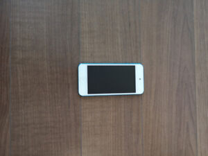 iPod Touch 5th Gen 32 GB BLUE