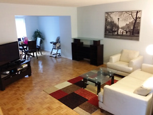 3-BEDRM TOWN HOUSE AVAIL FOR RENT STEELES/KEELE $1,800 + Utiliti