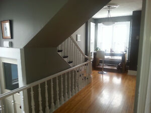 Looking for roomate in a spacious apart downtown Saunders St