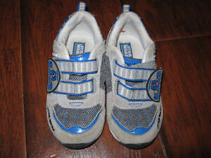 Stride rite R2D2 starters  sneakers size 8 (worn a few time) St. John's Newfoundland image 2