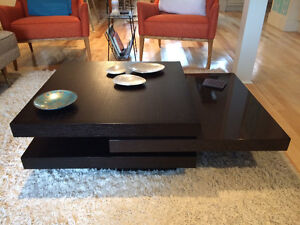 coffee table / table basse - clean, modern, contemporary