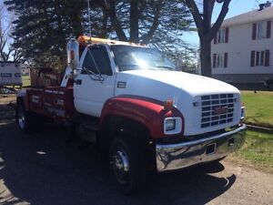 Gmc 6500 towing remorqueuse