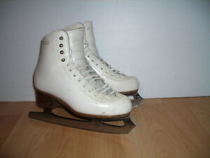 """"" GAM """" Sheffield blades figure skates size  3.5 / 5  US lady"