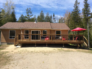 For Rent Sauble Beach 3 bedroom 4 season home /cottage