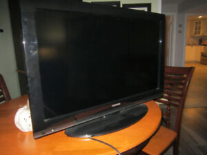 "32"" COLOUR TV FOR SALE"