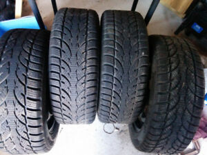 . 205/55/16 rims and tires bolt pattern 114.3 in excellen shape