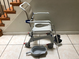 Invacare Ocean Commode/Shower Chair