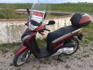 2010 Honda SH 150 I  Scooter($1500 or Closest offer)