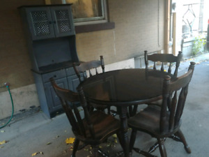 Dining Room Table with 4 Chairs & Hutch