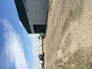6000 SQFT Industrial Shop on 1 ACRE for rent