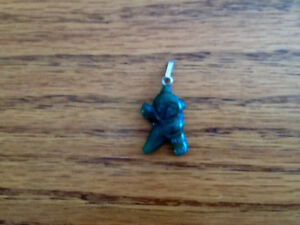 HANDCRAFTED JADE BEAR PENDANT WITH SILVER FASTENER