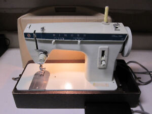 Singer Heavy Duty Sewing Machine (Sews Upholstery and Leather)