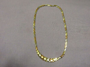 One Ladies 10K Gold Necklace