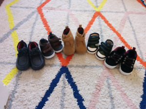 Lot of five pairs of cribs shoes