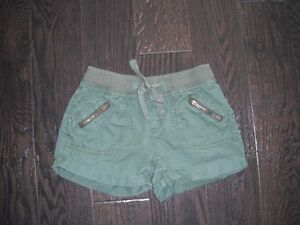 Girls Green Justice Shorts Size 14R London Ontario image 1