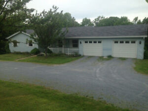 Family Home on 2 Acres Close to Q-plex