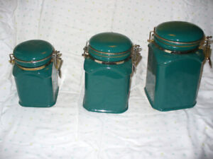 set of three ceramic kitchen storage canisters.Green.
