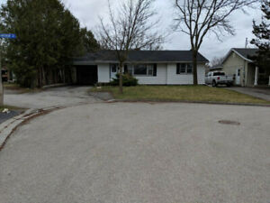 Newmarket, A+ location, furn. room, parking, 404, Co-op students
