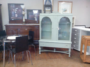 VINTAGE CHALK PAINTED HUTCH DISPLAY CABINETS DRESSERS