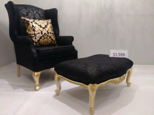 Queen Anna Chair with Coffee Table