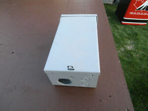 1 box for bracker for spa pool just box asking $35 to buy it at
