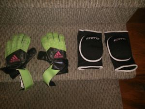 Kids soccer goalkeeper gloves and knee pads