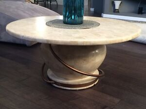 Round Coffee Table Buy Or Sell Coffee Tables In Winnipeg Kijiji Classifieds