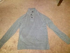American eagle sweater - medium
