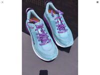 Hoka arahi 2 running shoe size 5
