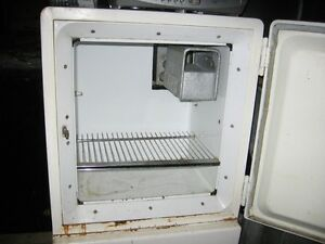 GE fridge 2 years old 15.5 cub foot Kawartha Lakes Peterborough Area image 3
