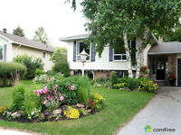 SPECTACULAR BACKYARD OASIS!  GREAT COMMUTER LOCATION