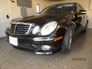 Complete owners manual for 2009 Mercedes Benz E-Class. Windsor Region Ontario image 8