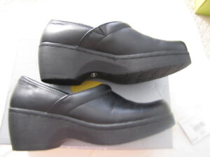 Size 8 BLACK LEATHER DR. SCHOLL'S SHOES / CLOGS /MULES
