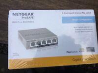 NETGEAR ProSafe Plus GS105E 5‑port switch